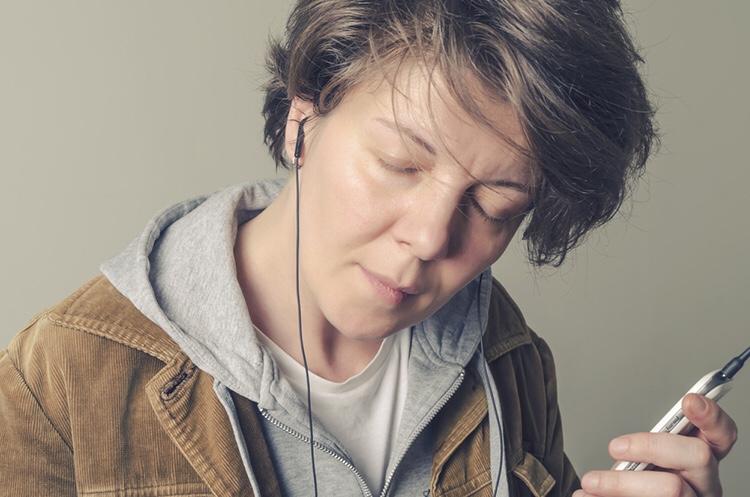 Une étude a révélé que la chanson 'Weightless' (en apesanteur) réduit l'anxiété de 65%.